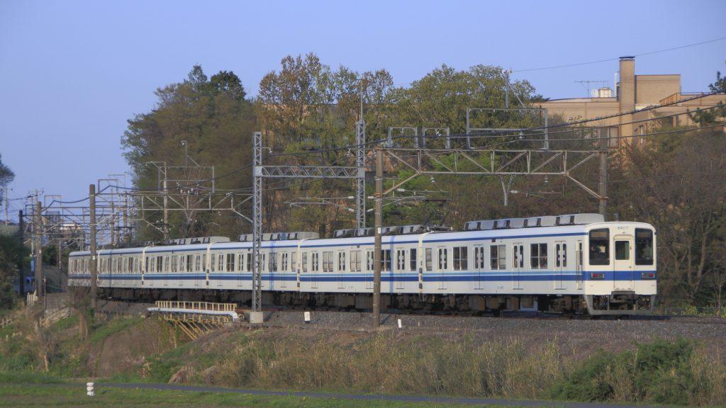 東武野田線8000系(各駅停車)